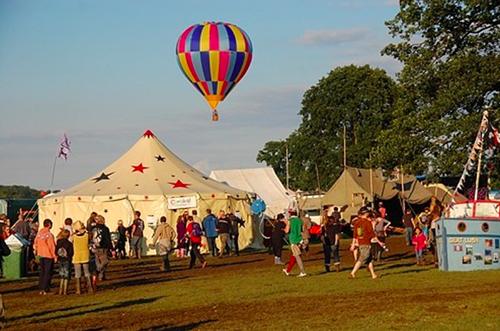 Lisa hears rumours about Sutton / Boyling (HN14) at Shambala festival.